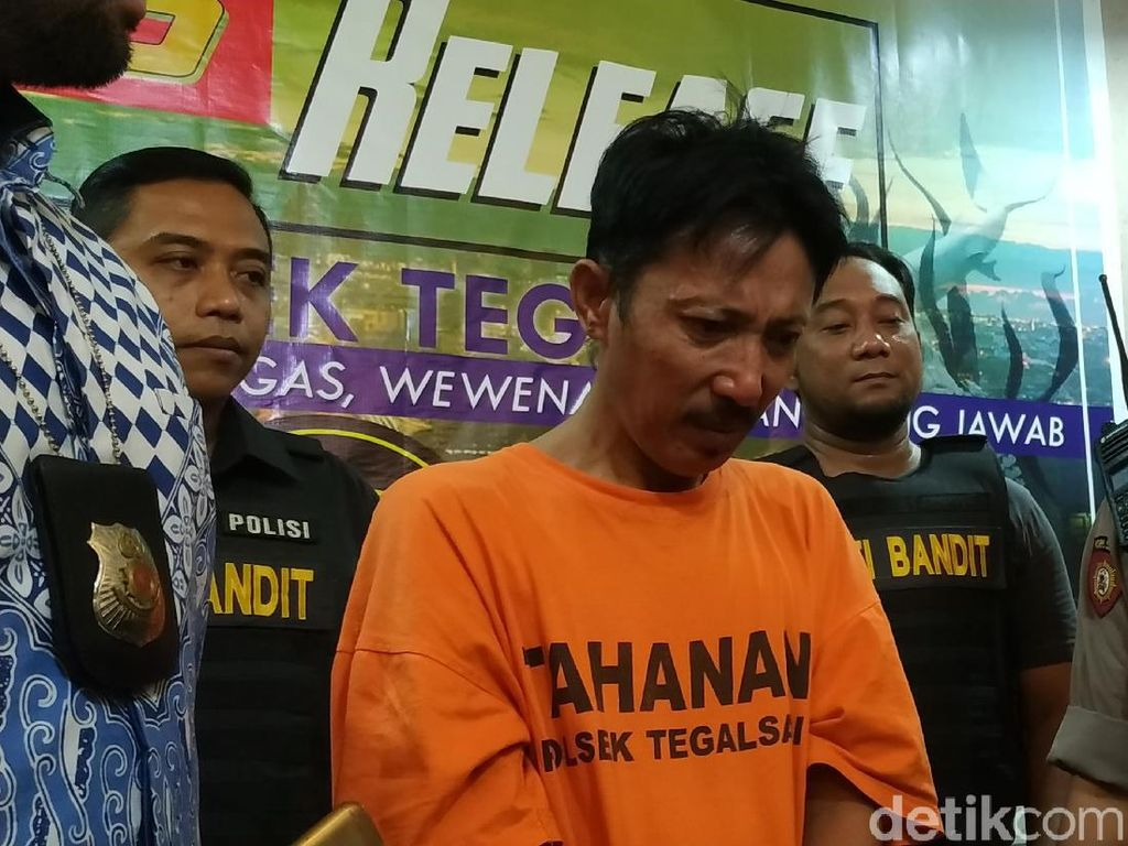 Ingat Anak, Pengedar Sabu di Surabaya Nangis Saat Ditanya Wartawan