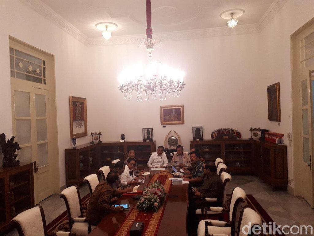 Jokowi Pimpin Rapat Terbatas Bahas Papua