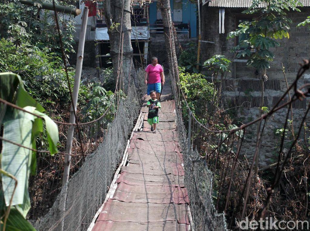 Miris, Jembatan Gantung Jakarta-Depok Masih Memprihatinkan