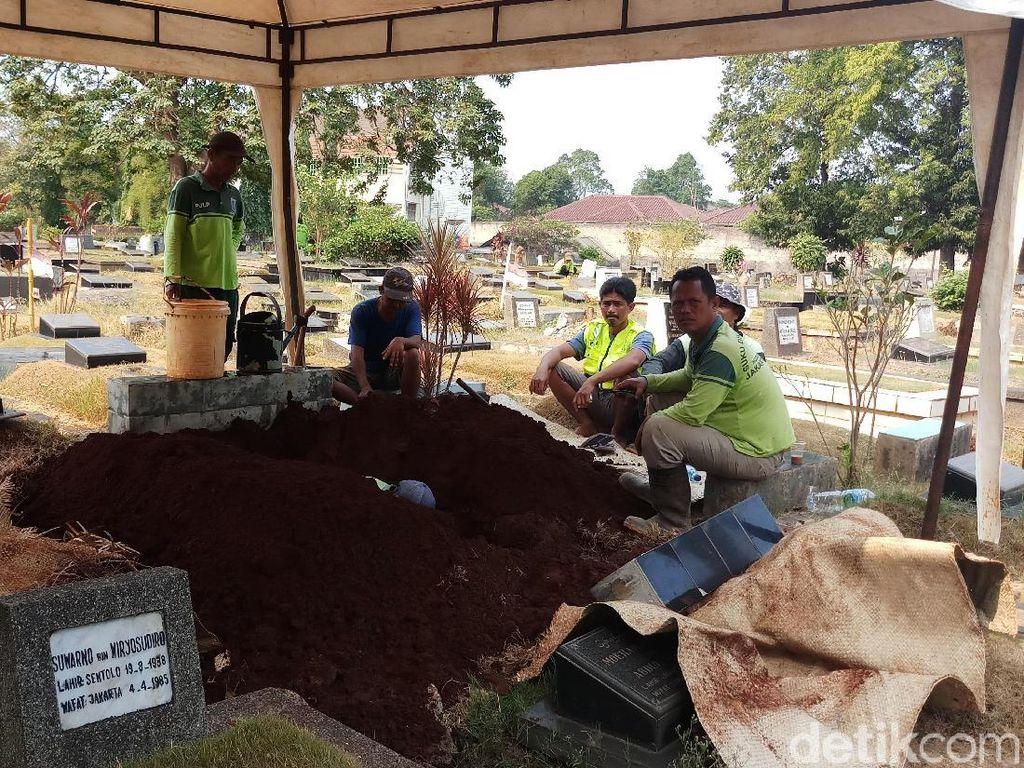 Kerabat Sebut Pupung dan Dana Akan Dimakamkan Satu Liang Lahad di Jeruk Purut