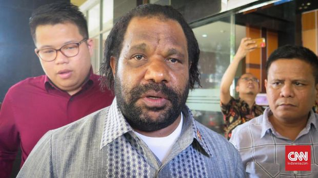 Staf Khusus Presiden Kelompok Kerja Papua Lenis Kogoya menyarankan audit dana otsus Papua.
