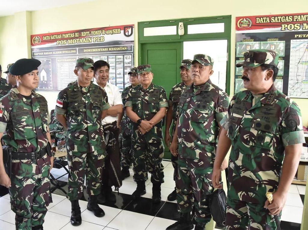 Panglima TNI Meninjau Pos Motaain PLBN di Atambua