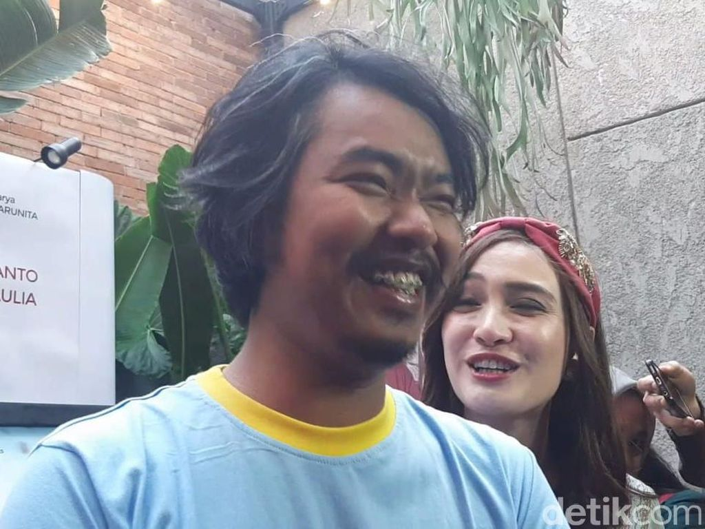 Dodit Mulyanto Izin Pacar Saat Cium Shandy Aulia Nggak Ya?