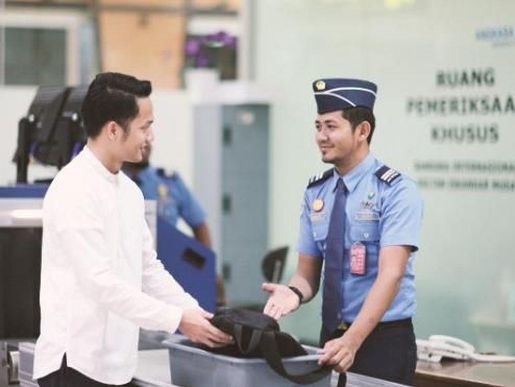 Bandara Perketat Pemeriksaan MacBook Pro Masuk Pesawat