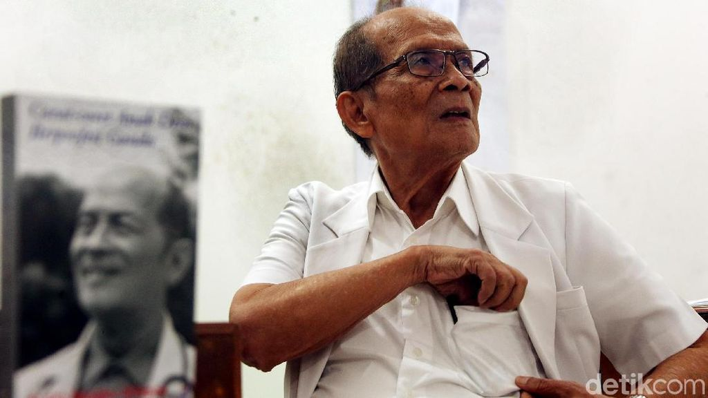 Foto: Mangku Sitepoe, Dokter Murah Hati dengan Tarif Cuma Rp 10 Ribu