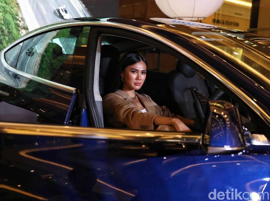 Cuma Modal Rp 100 Ribu Tesla Bisa Digeber Jakarta-Semarang