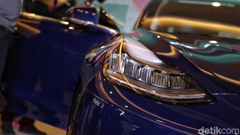 Mobil listrik Tesla Foto: Pradita Utama