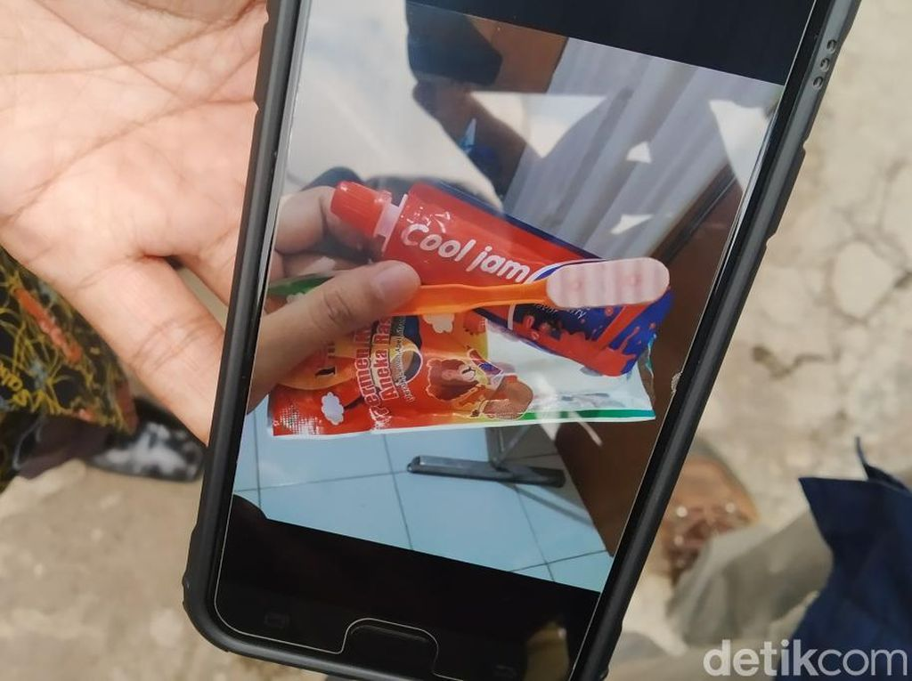 21 Bocah Keracunan Permen Pasta Gigi, Bupati Bandung: Waspada!