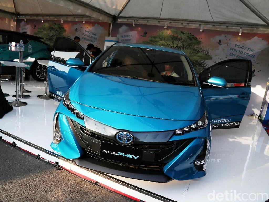 Warna Pelat Mobil Listrik Diusulkan Berbeda dengan yang BBM