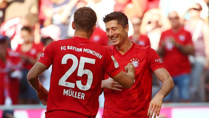 Soccer Football - Bundesliga - Bayern Munich v 1.FSV Mainz 05 - Allianz Arena, Munich, Germany - August 31, 2019  Bayern Munichs Robert Lewandowski celebrates scoring their fifth goal                     REUTERS/Michael Dalder  DFL regulations prohibit any use of photographs as image sequences and/or quasi-video