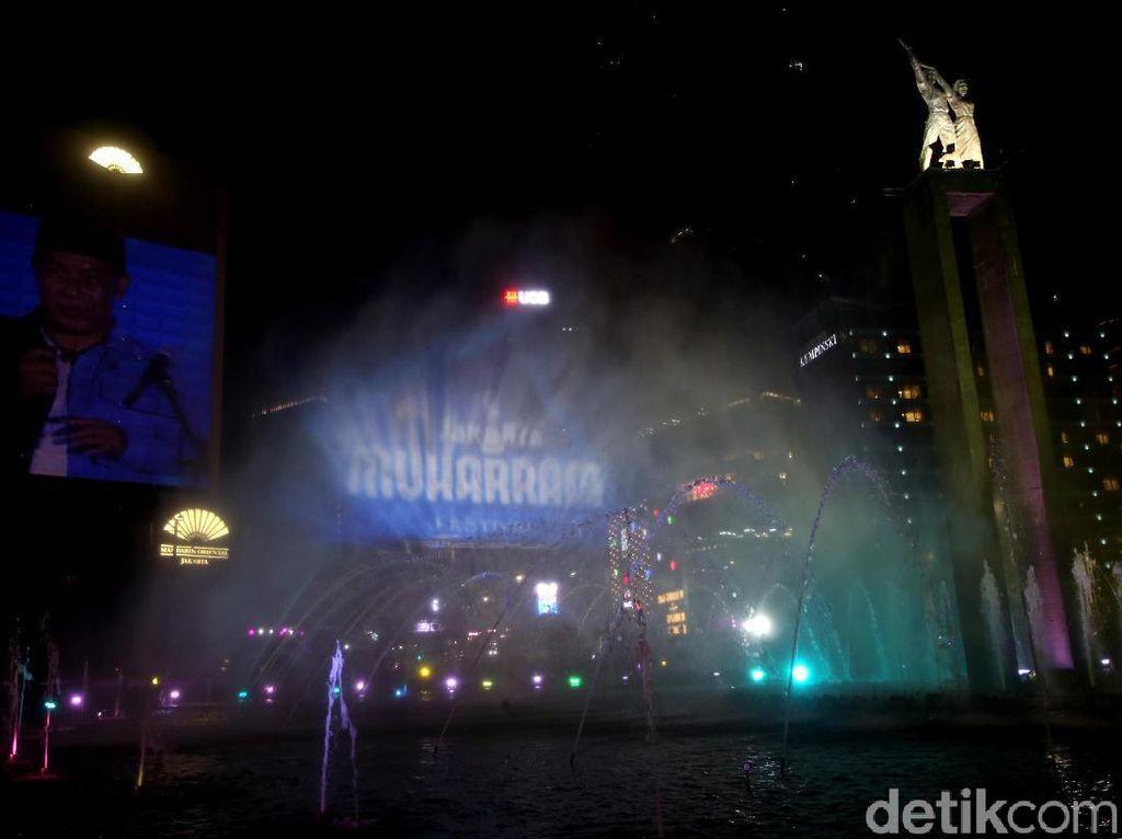 Air Mancur Warna-warni Semarakkan Jakarta Muharram Festival
