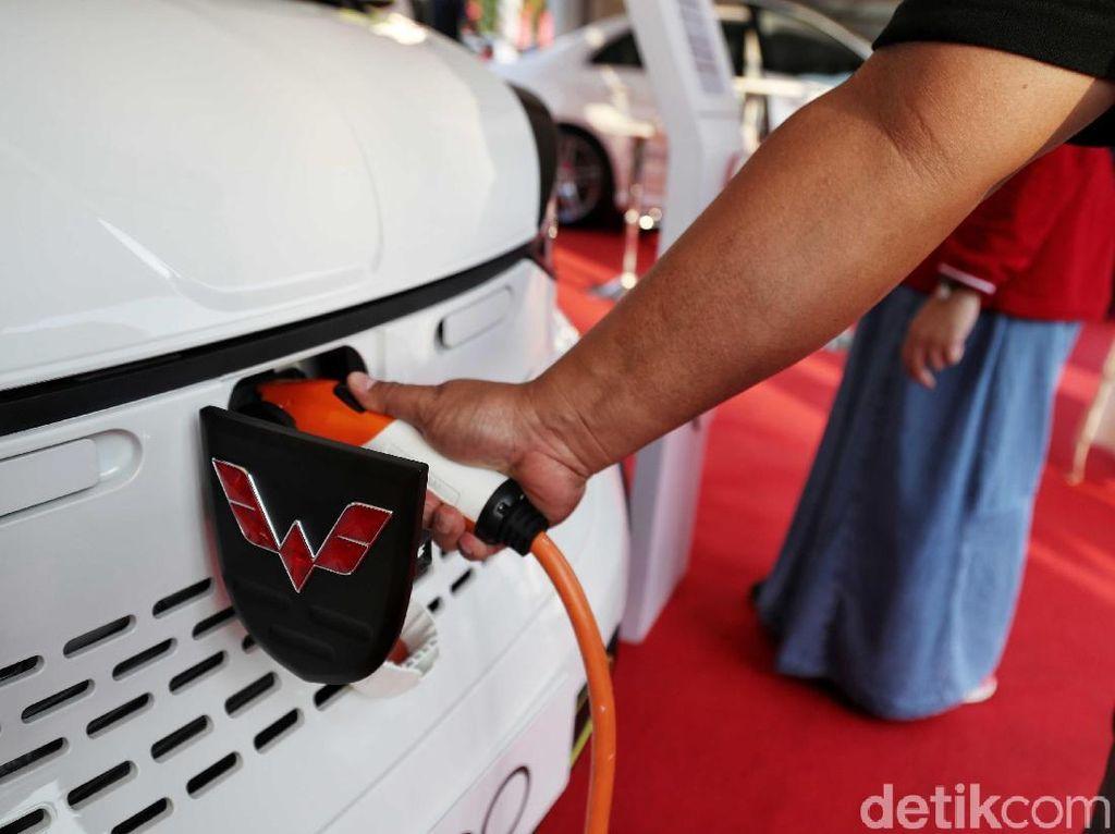 Pabrik Baterai Mobil Listrik di RI, Luhut: Bukan China-china Lagi