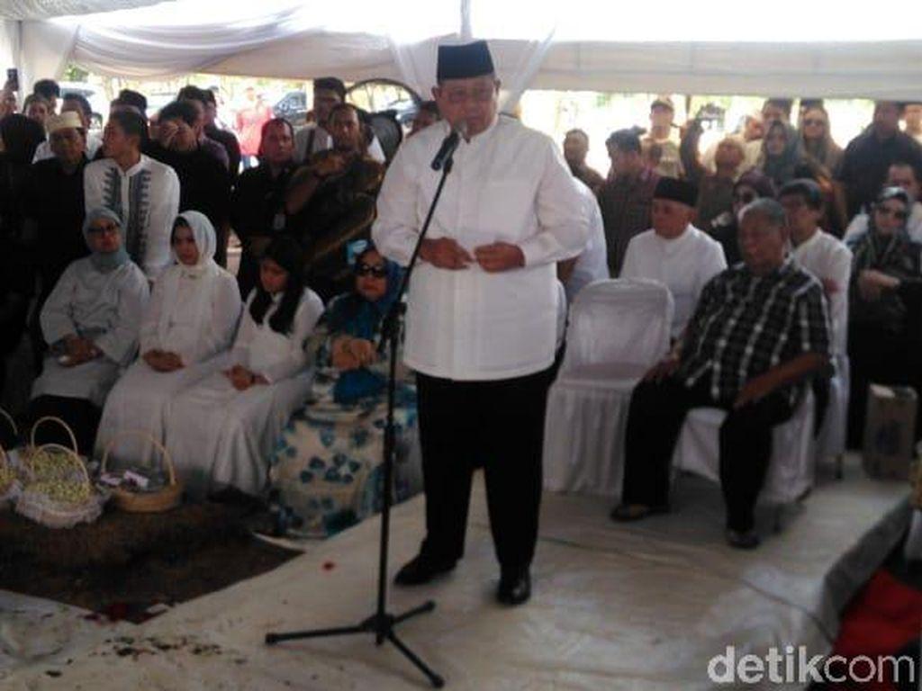 Netizen Kuatkan Hati SBY yang Kembali Kehilangan Orang Tersayang