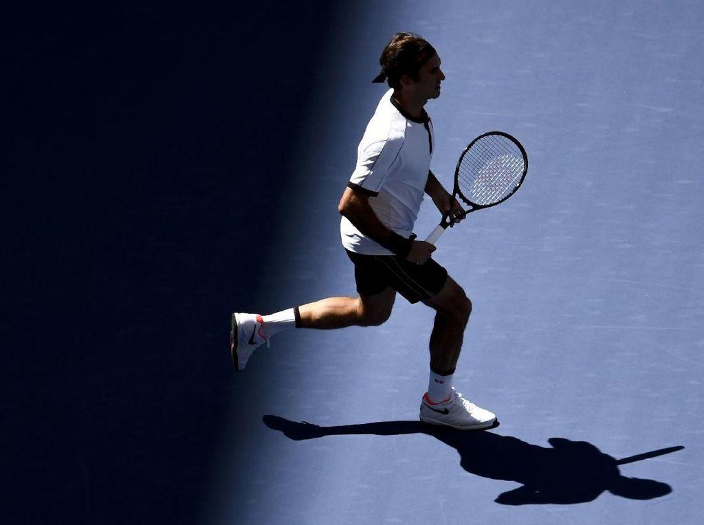Federer Tembus Babak Keempat AS Terbuka