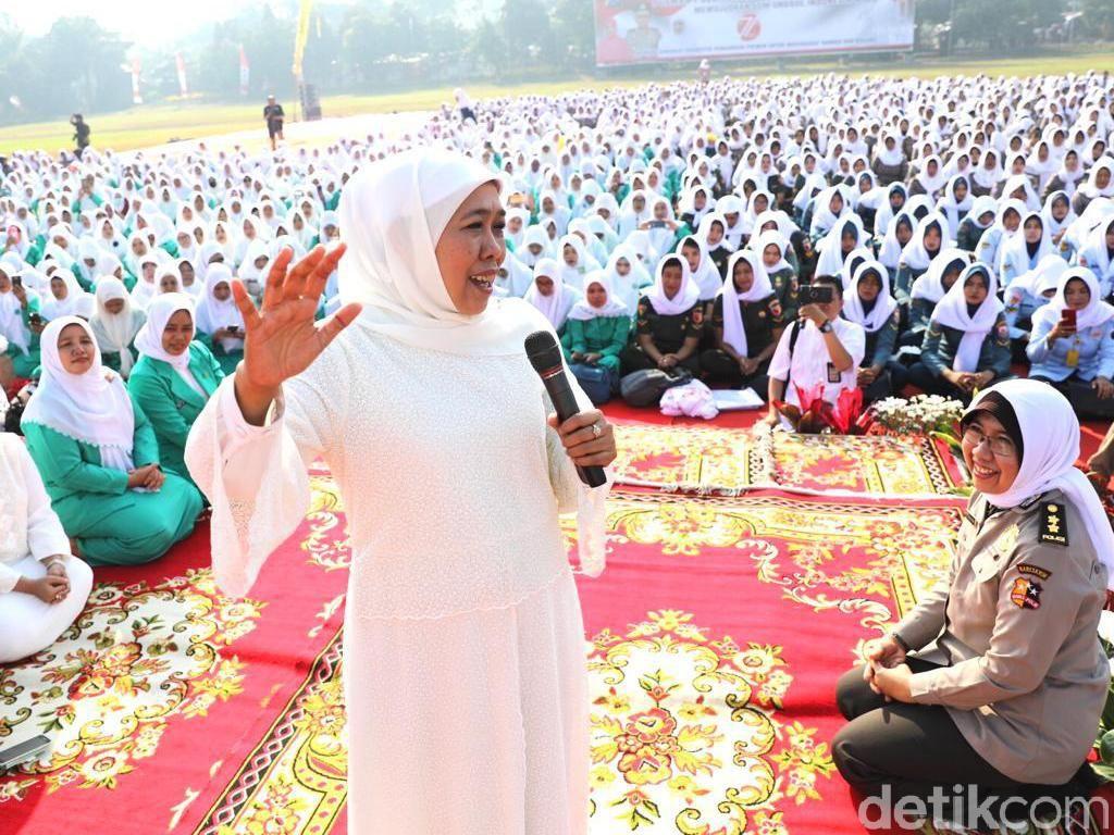 Ikut Doa Bersama Ribuan Polwan, Khofifah Kenang Sosok Jeanne Mandagi