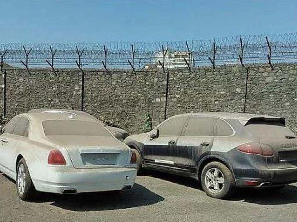 Alasan di Dubai Banyak Mobil Mewah Dibuang
