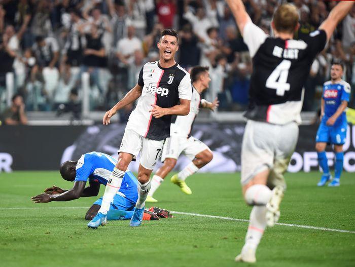 Juventus scara dramatis mengalahkan Napoli di pekan kedua Liga Italia. Berduel sengit, Bianconeri akhirnya mengalahkan Il Partenopei 4-3.