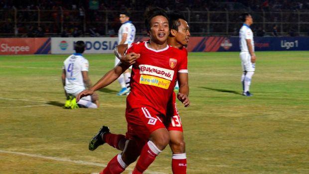 Klasemen Liga 1: Semen Padang dan Badak Lampung Degradasi