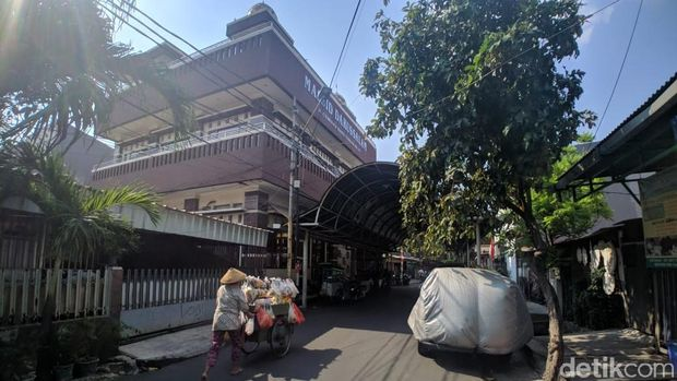Viral Kebaktian Tutup Peti di Depan Masjid di Jakpus, Begini Ceritanya