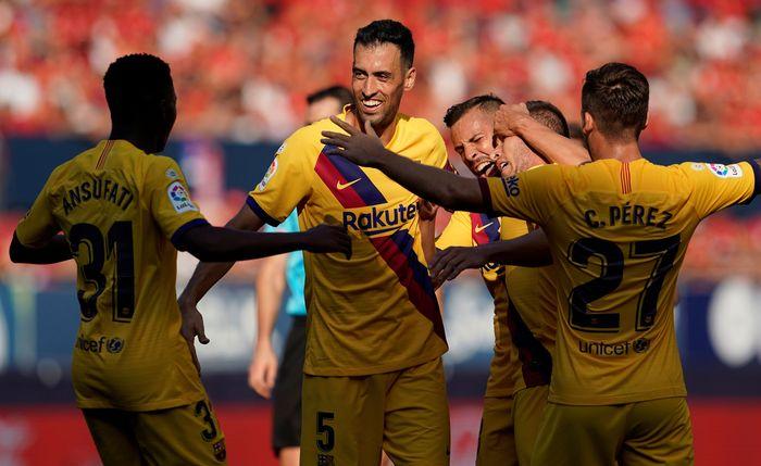 Barcelona gagal meraih poin sempurna di pekan ketiga Liga Spanyol 2019/2020. Bertandang ke markas Osasuna, Blaugrana ditahan 2-2 oleh tim promosi tersebut.