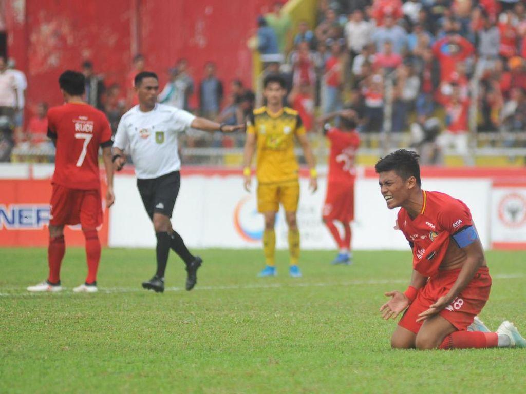 Dikalahkan Barito Putera, Pelatih: karena Semen Padang Tak Punya Striker