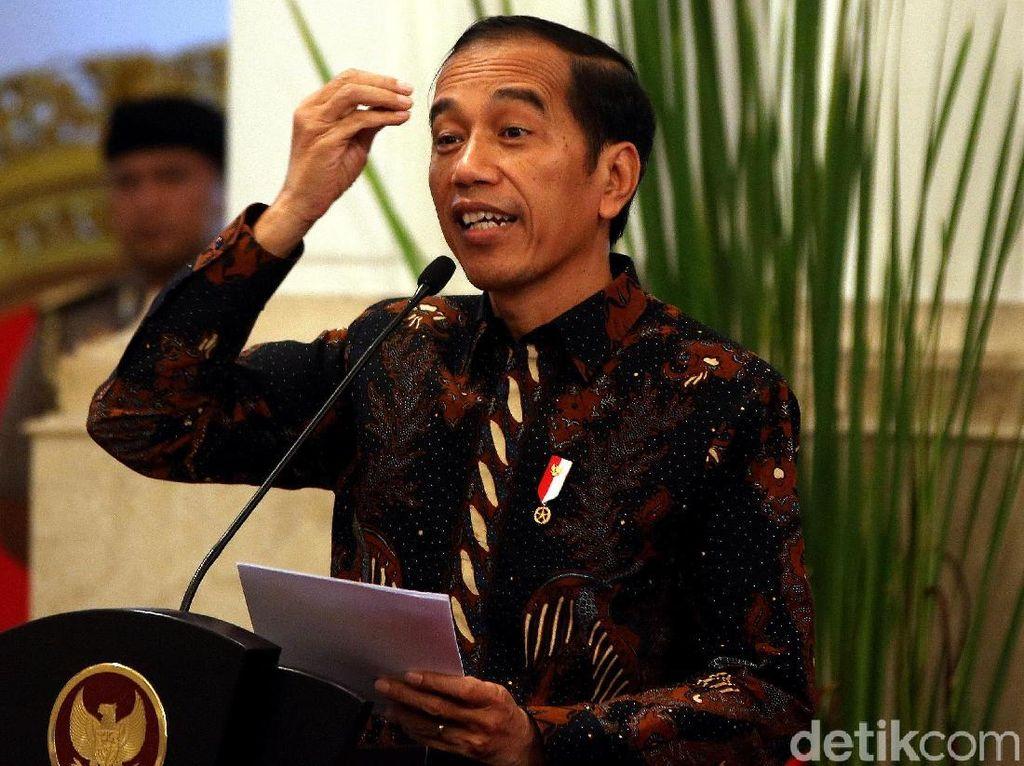Jokowi Soroti Pasar Ramai Jelang Idul Fitri: Ingat Protokol Kesehatan!