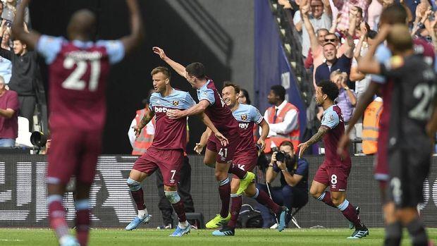West Ham jadi ujian pertama Jose Mourinho di Tottenham.