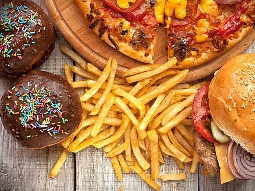 Daftar Makanan Tidak Sehat yang Bisa Picu Stroke hingga Diabetes