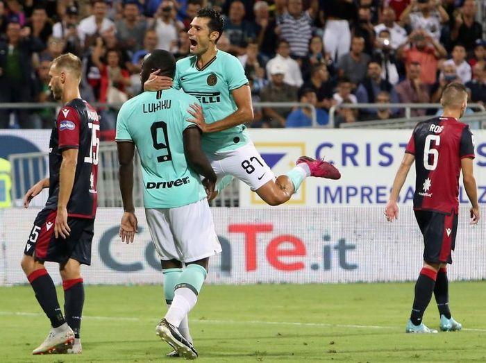 Pemain InterMilan Romelu Lukaku mendapatkan serangan rasial dari pendukung Cagliari. (Foto: Enrico Locci/Getty Images)