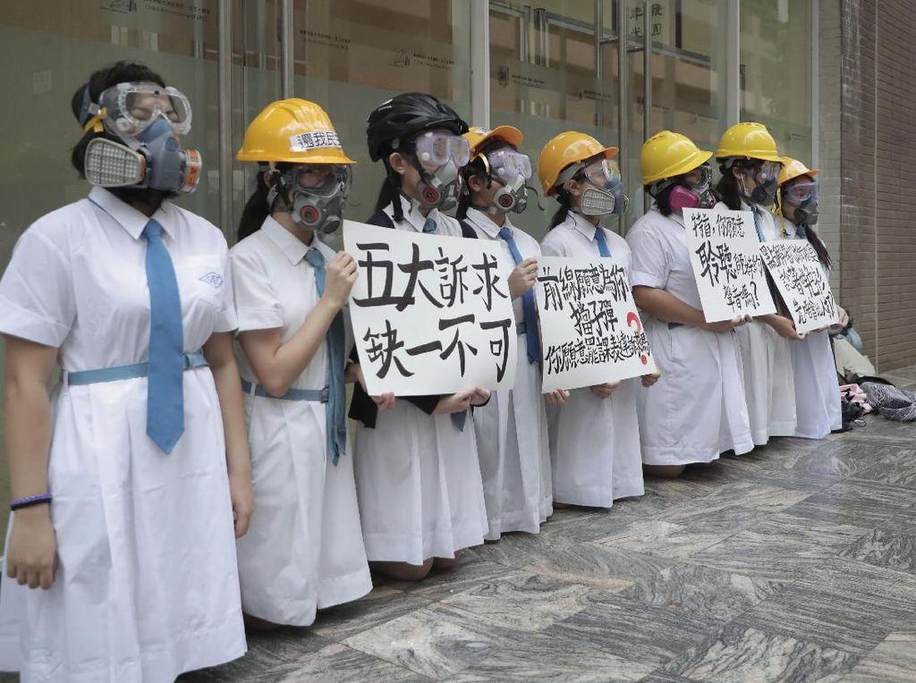 Giliran Pelajar Hong Kong Turun Ke Jalan Gelar Aksi Protes