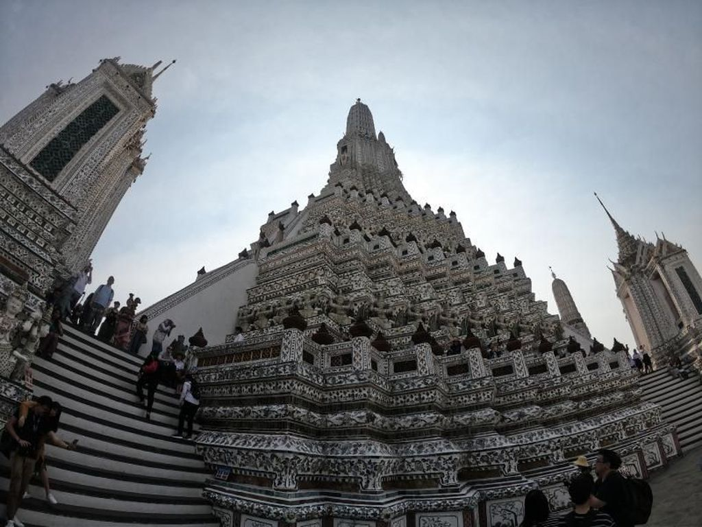 Intip Ruangan di Wat Arun yang Sering Dilewatkan