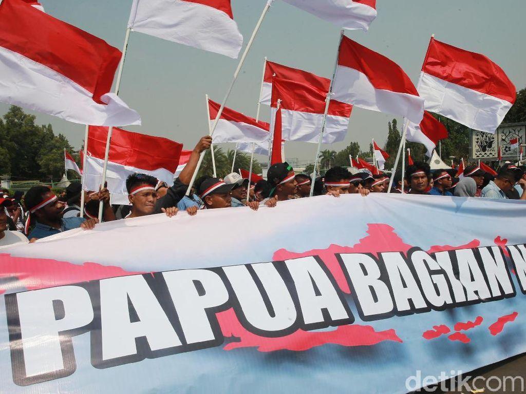 Operator Serentak Buka Gerbang Internet di Papua