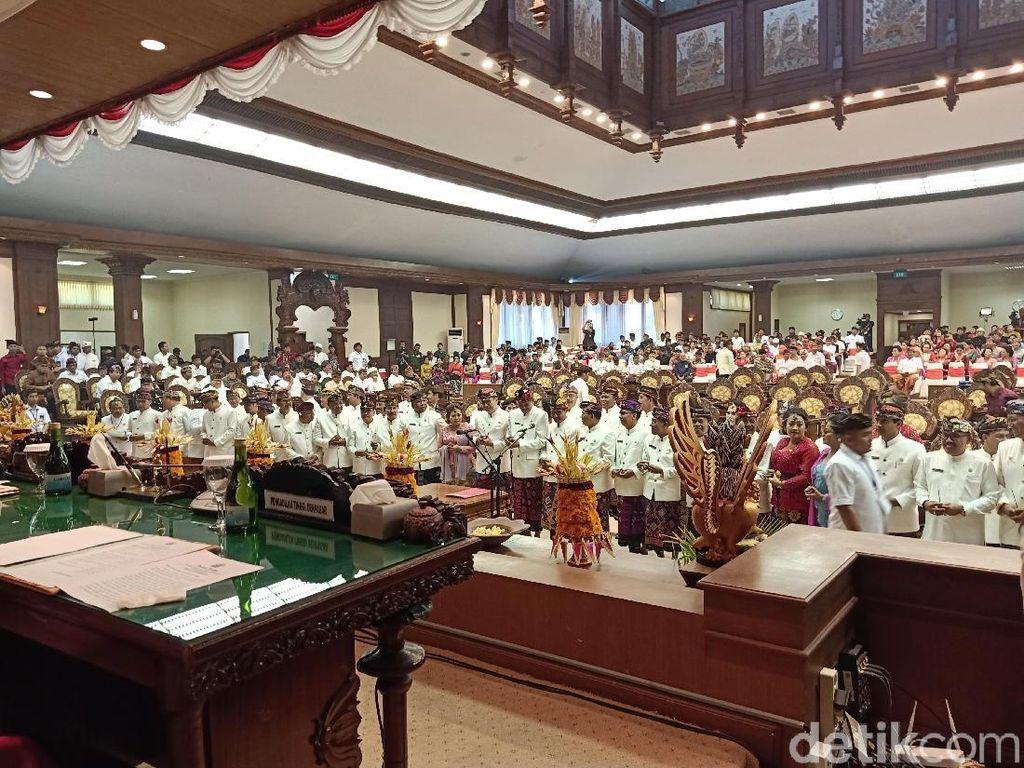 55 Anggota DPRD Bali 2019-2024 Dilantik
