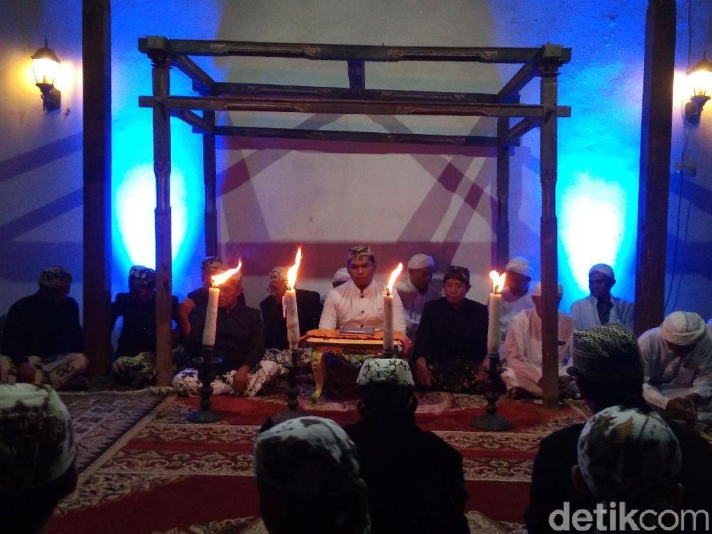 Peringati Hari Jadi Cirebon, Kesultanan Kanoman Bacakan Babad Cirebon
