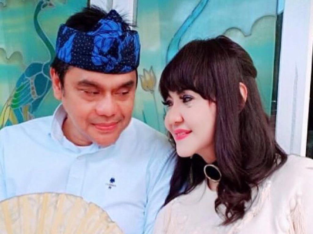 25 Tahun Menikah, Dwiki dan Ita Purnamasari Jauh dari Gosip