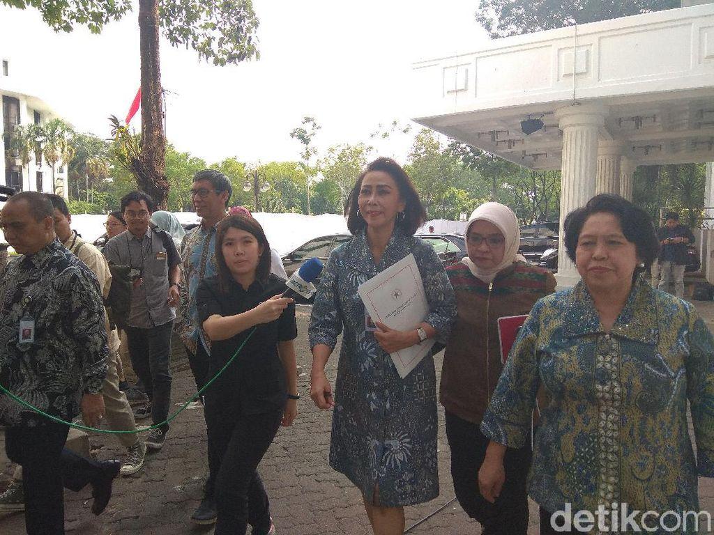 Pansel KPK Serahkan 10 Nama Capim ke Jokowi