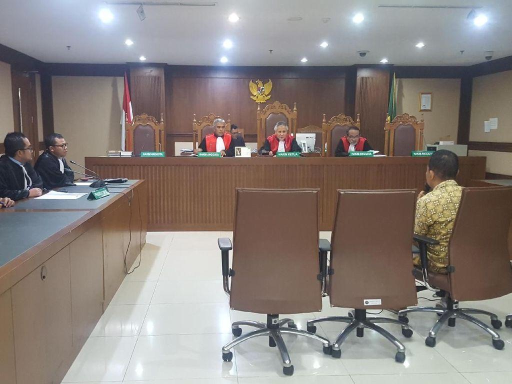 Natan Pasomba Didakwa Suap Anggota DPR Sukiman Rp 2,9 M