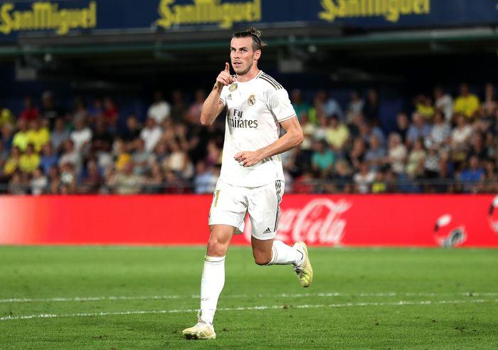 Real Madrid bermain imbang 2-2 melawan Villarreal. Gareth Bale menjadi penyelamat Los Blancos lewat dua golnya, namun diganjar kartu merah di akhir laga.
