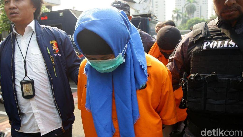 Aulia Kesuma Tertunduk Malu di Polda Metro Jaya