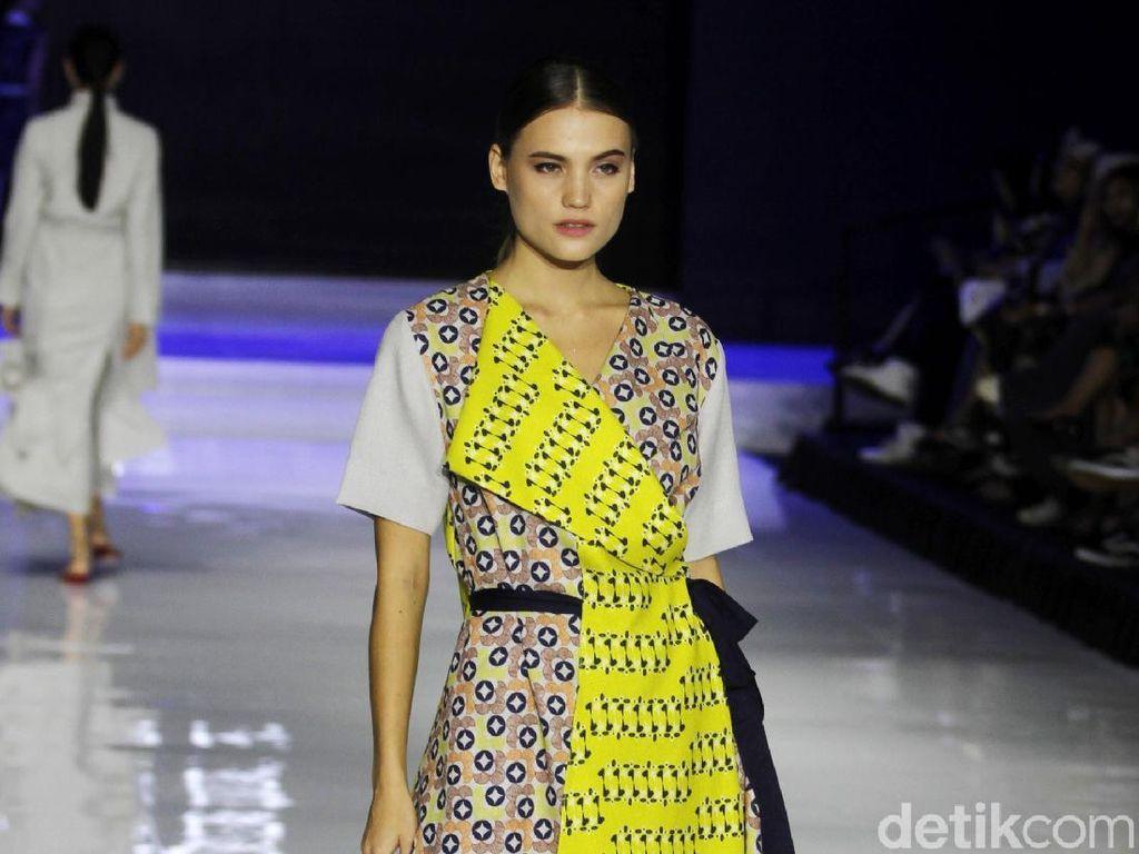 Foto: 10 Baju Motif Batik, Koleksi Terbaru Major Minor di JFFF 2019