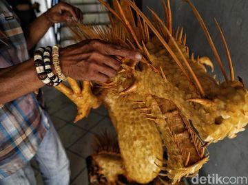 Taryana Ubah Limbah Tulang Ikan Jadi Karya Seni Keren