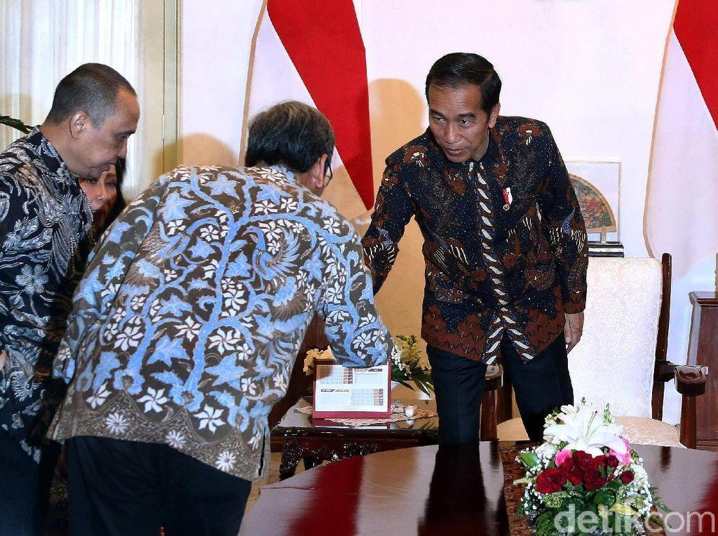 Jokowi Minta Masukan Soal Capim KPK, Sungguhan atau Pencitraan?