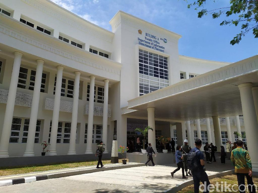 Kritik Kampusnya di Grup WA, Dosen Unsyiah Aceh Divonis Penjara 3 Bulan
