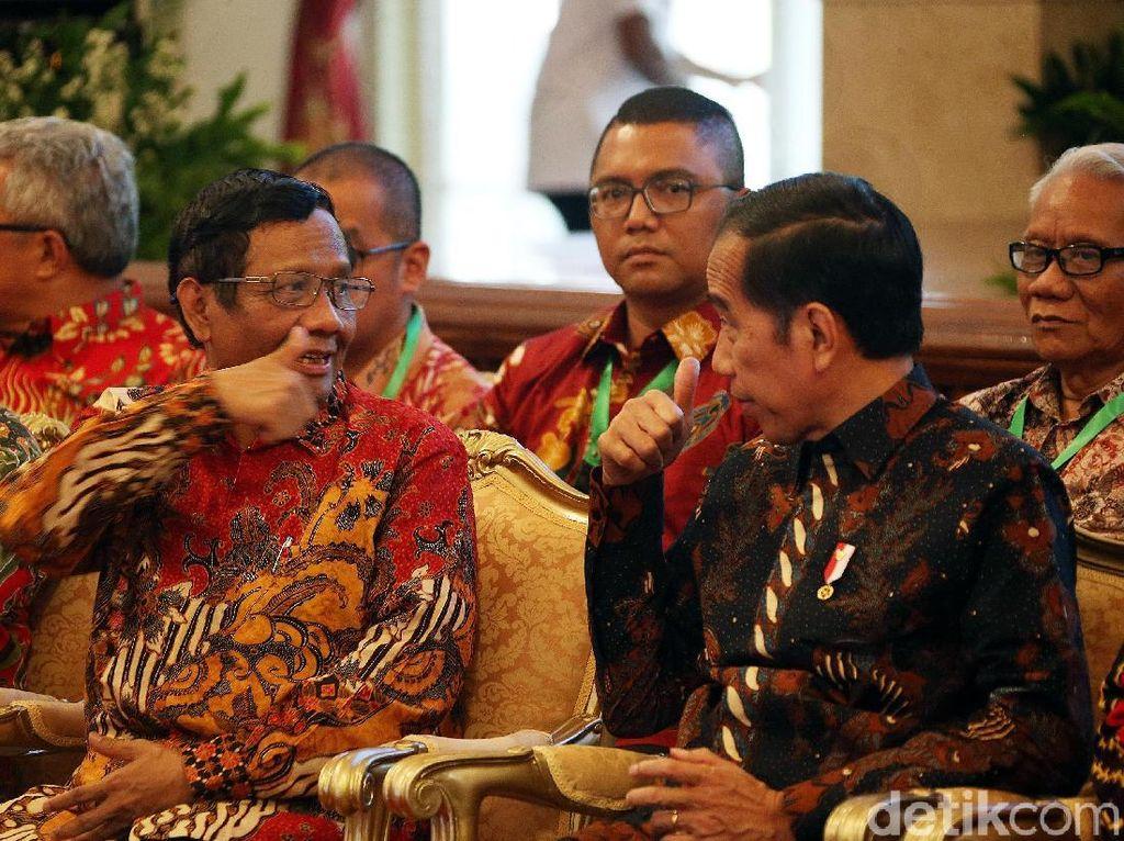 Dengarkan Masukan NU-Muhammadiyah, Ini Alasan Jokowi Tak Tunda Pilkada