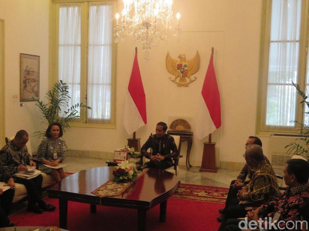Jokowi Terima Pansel Capim KPK di Istana Negara