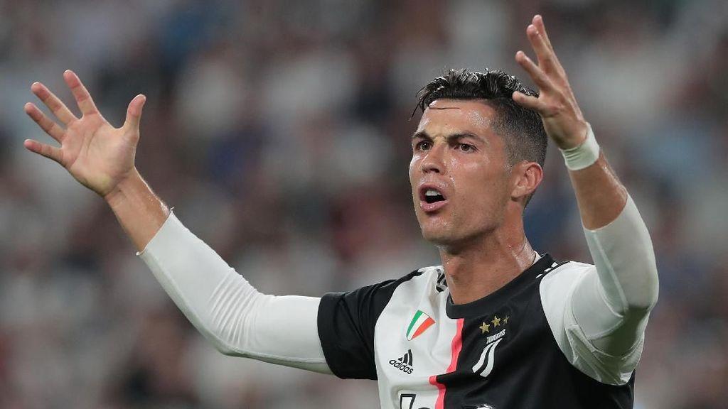 Foto Pesepakbola Bandel Saat Corona, Ronaldo Hingga Trio Persib