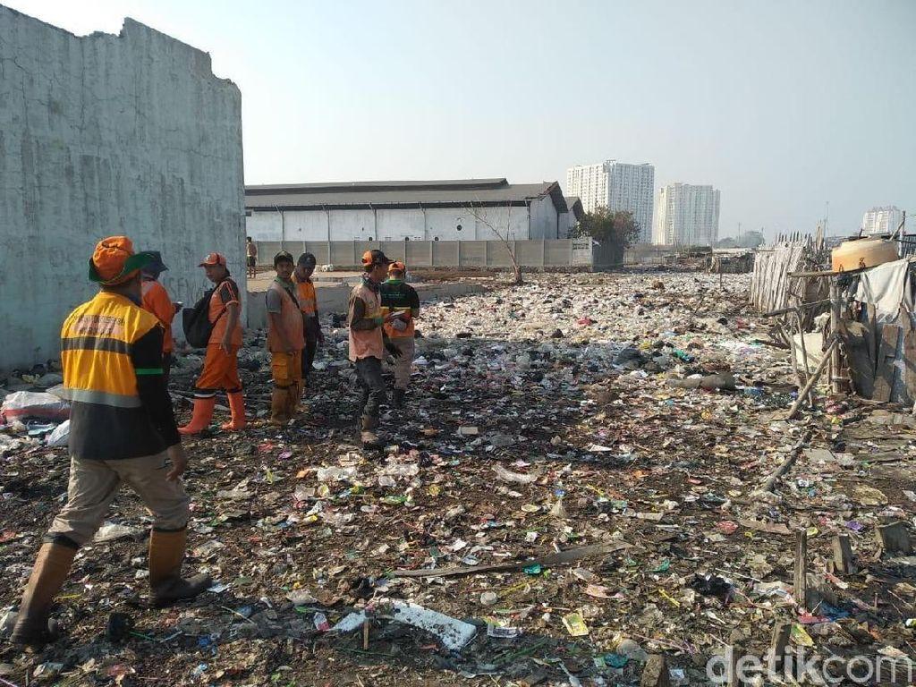 Lautan Sampah di Kampung Bengek Jakut, Sudin LH Koordinasi dengan Pelindo