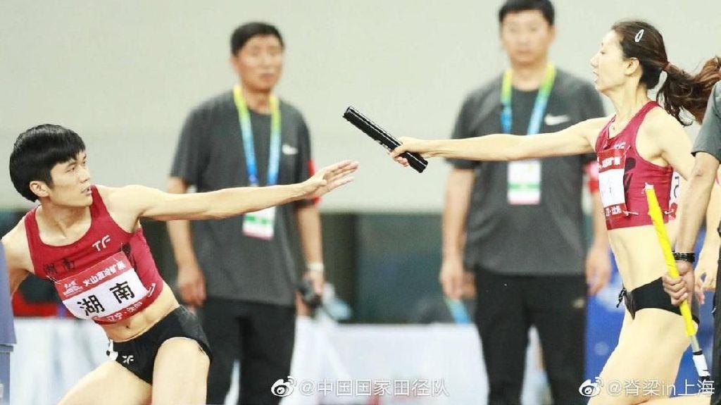 Foto: 2 Atlet Wanita yang Disebut Netizen Sangat Mirip Pria Ini Viral