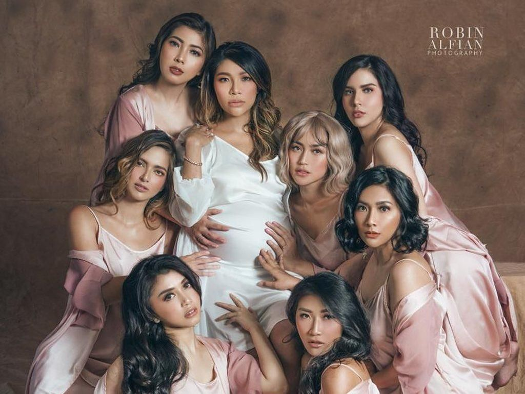 Nia Ramadhani & Girl Squad Pemotretan Pakai Lingerie, Disebut Mirip Bidadari