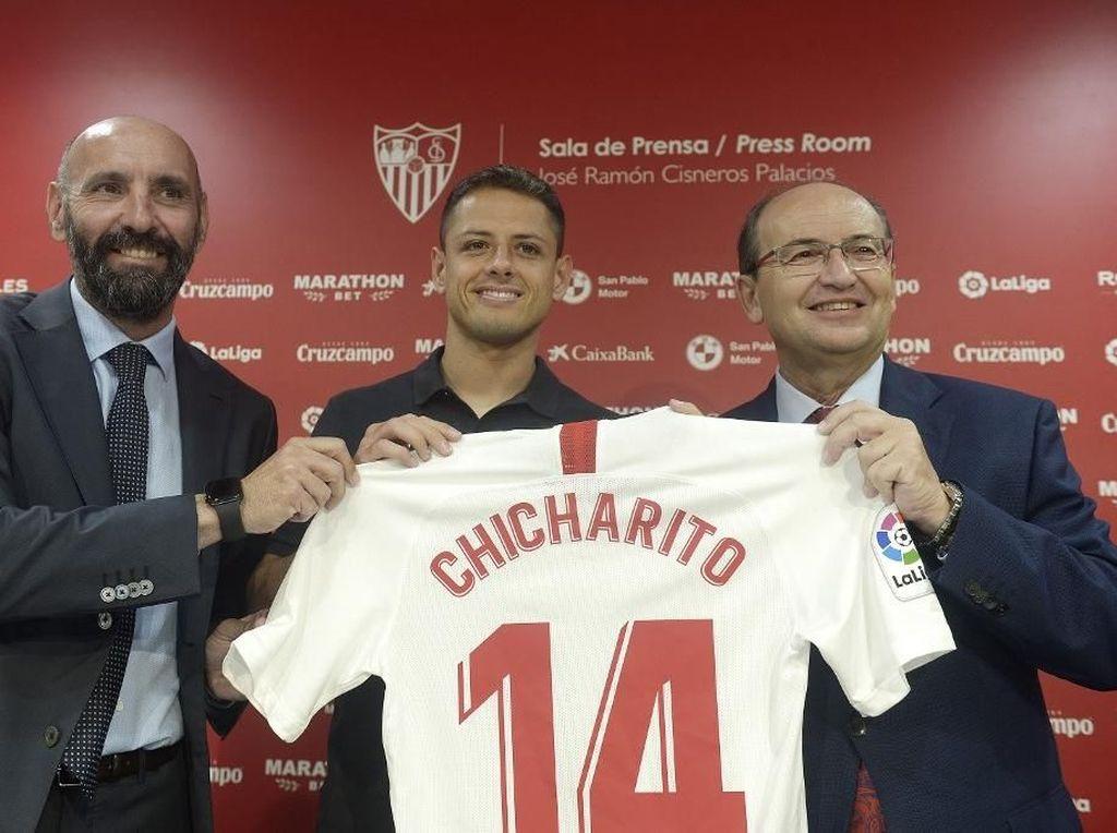 Tinggalkan West Ham, Chicharito Gabung Sevilla